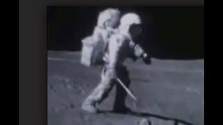 Директор НАСА слил в СМИ  сенсационную тайну. Кого  видели астронавтовты при высадке на Луну.