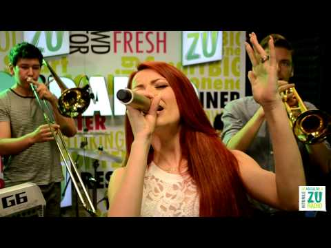 Elena Gheorghe - Dance With Somebody Cover/ Te ador (Live la Radio ZU)