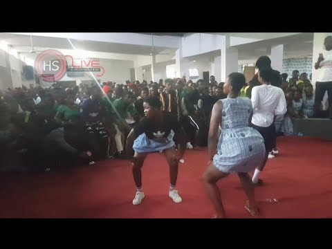 Download Ansec girls( Anum presec Shs) with a Heavy Twerk as they welcome Dhope Nation