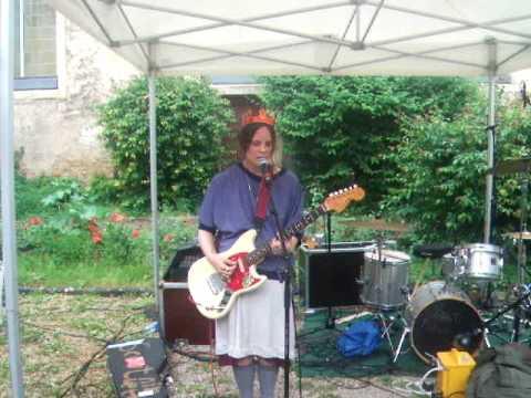 Scout Niblett - Just Do It! live 2010.06.08 @ La Vapeur, Dijon