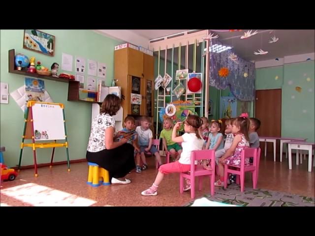 Изображение предпросмотра прочтения – ГалинаГолубева читает произведение «Кошкин дом» С.Я.Маршака