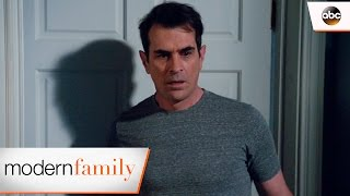 A Girl in Luke's Bed? - Modern Family
