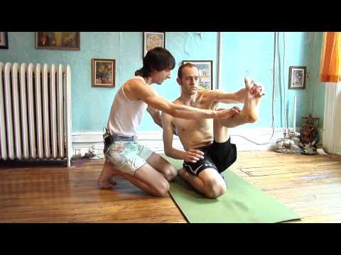 Asana Kitchen: Krounchasana (Heron Posture) knee safety, tight hamstrings with David Garrigues