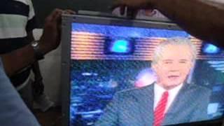 TV Samsung com faixa sobre a tela: Como foi consertada!