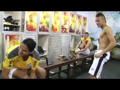 Neymar na intimidade, no vestiário do Santos