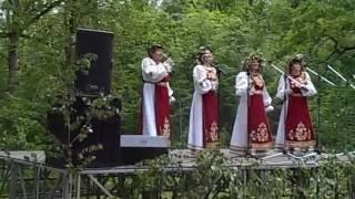 Скачать Песня Галина звучала в городской роще города Ефремова на Троицу