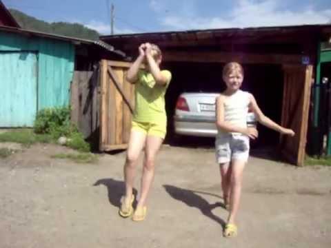 Девки на танцах в деревне видео