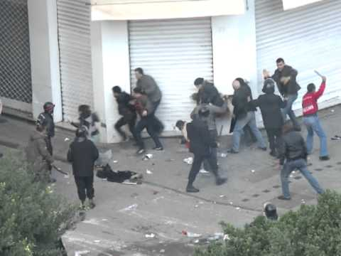 Tunis: la police disperse les manifestants, l'armée sur place