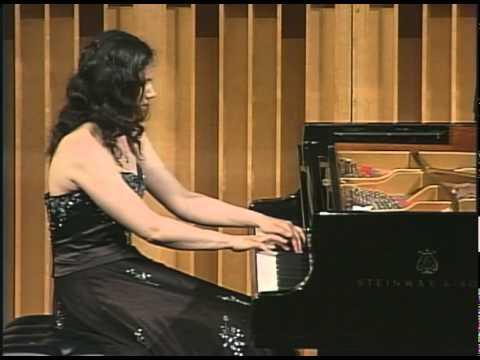 "Martina Filjak Performs Ravel: ""Une Barque Sur L'ocean"""
