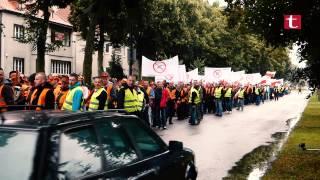 Ponieśli drwala w... trumnie. Pracownicy leśni protestują przeciw szarej strefie w samej RDLP