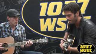 "103.7 WSOC: Chuck Wicks sings ""Old School"" in studio"