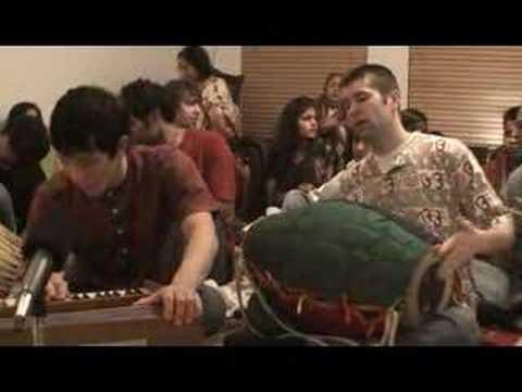 Hari Das singing Jaya Radhe