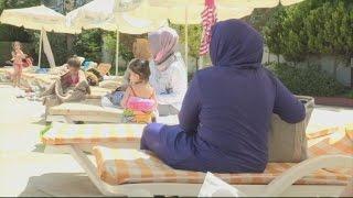"""L'essor du tourisme """"100 % halal"""" - Reporters"""