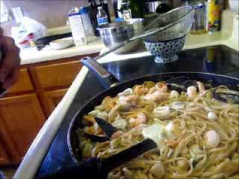 How To: Creamy White Wine Seafood Pasta (EASY)