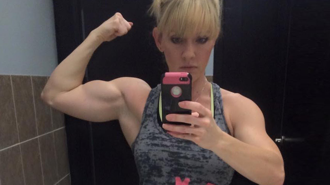 Fit And Muscular Mom Christina Hillis Fit Over 40 Youtube