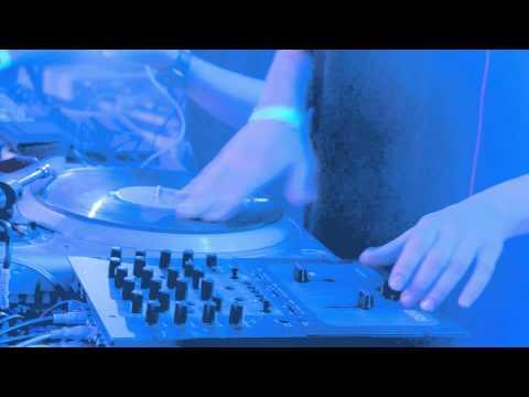 04/17 - Pe deal, in vai (LIVE) (Subcarpati & Band@Arenele Romane) (01/12/14)