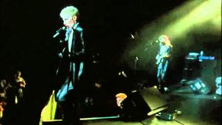 Eurythmics - I Love You Like A Ball And Chain (Live 1987)