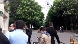 Мариуполь 9 мая ПУМБ - Киевские фашисты убивают прохожих