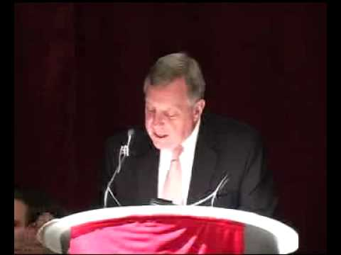 us-senator-dick-durbin-speaks-at-siue-about-student-loans