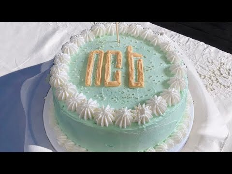 """The tan and white design on top of the cake combined with the """"happy birthday jeno"""" sign was lovely. Nct Birthday Cake Kpop Birthday Ideas Ncitizen Cake Youtube"""