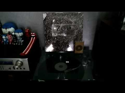 Zoo - Pemuja Hari (Prasasti)