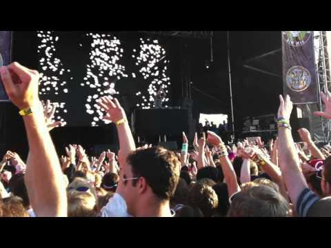 Nero - Innocence vs Bass Cannon / Feel So Close @ Identity Festival 2011 Mountain View [720P]