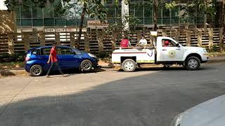 This Is How Mumbai Traffic Police Towed Away Car Very Quickly | BKC