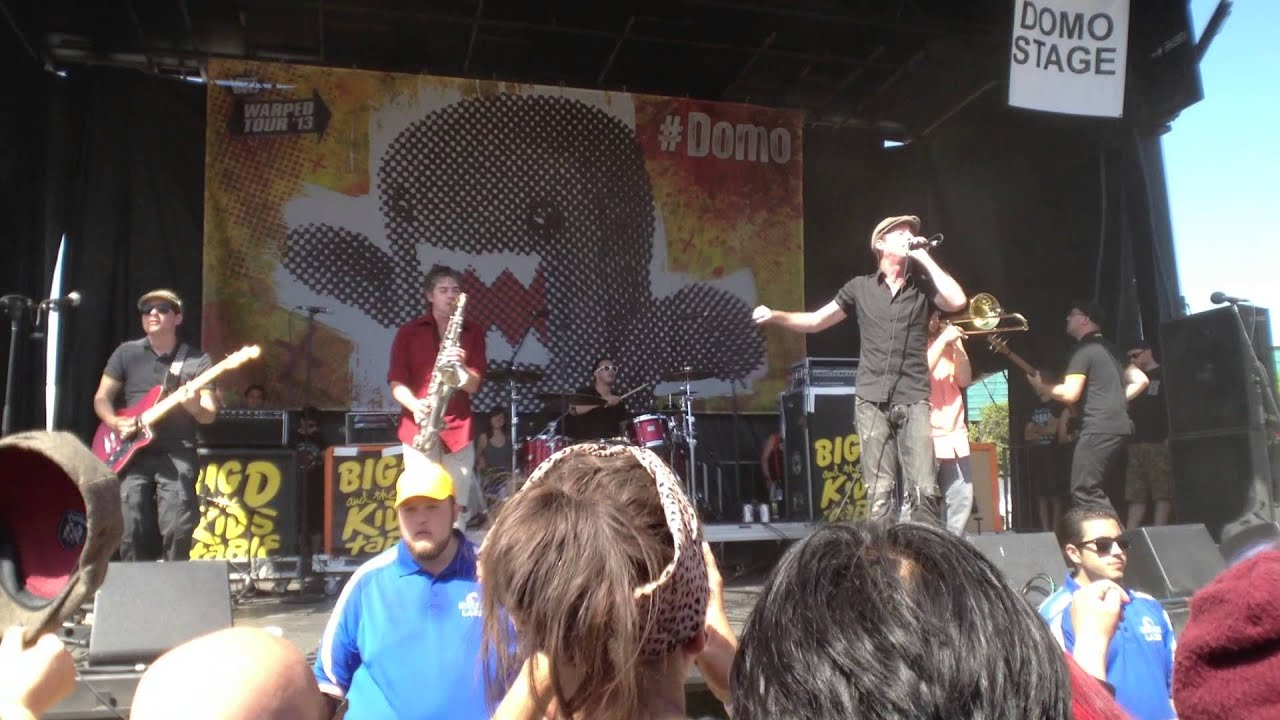Big D And The Kids Table  Shining On (live @ Warped Tour