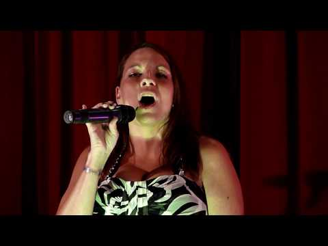 "Anne Steele sings ""Gravity"" by Sara Bareilles at rFamily Vacations' Ixtapa trip"