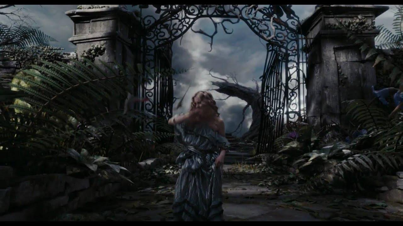 Alicia En El País De Las Maravillas De Tim Burton Tráiler Oficial Disney Oficial Youtube