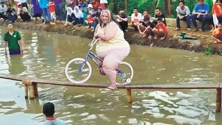 BEST BiKE RACE EVER ON EARTH - Cycling on the monkey bridge