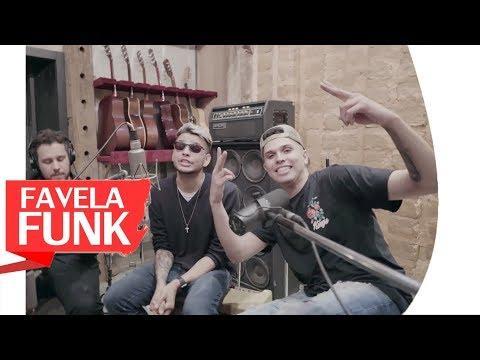MC WM e MC Marks - Um Favelado Todo Errado Que Te Ama (WebClipe Oficial 2018)
