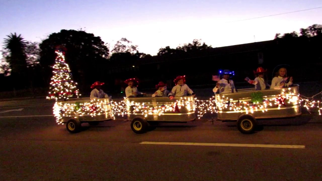 Ocala Christmas Parade 10 Dec 20171 - YouTube