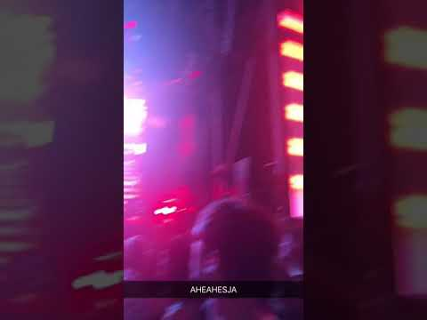 Halsey singing Bad at Love in Rogers, AR pt.1 ~ 07/20/2018