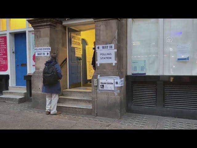 <span class='as_h2'><a href='https://webtv.eklogika.gr/vretania-ekloges-krisimi-gia-to-brexit-kai-to-mellon-tis-choras-i-simerini-eklogiki-anametrisi' target='_blank' title='Βρετανία- εκλογές: Κρίσιμη για το Brexit και το μέλλον της χώρας η σημερινή εκλογική αναμέτρηση'>Βρετανία- εκλογές: Κρίσιμη για το Brexit και το μέλλον της χώρας η σημερινή εκλογική αναμέτρηση</a></span>