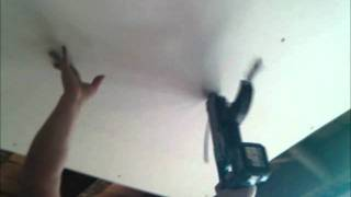 how to put up a plasterboard a ceiling
