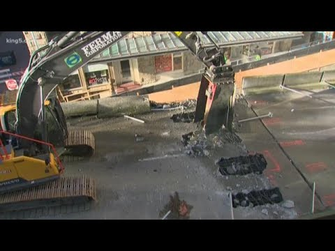 Alaskan Way Viaduct demolition begins in Seattle