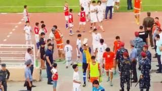 Команда направляется к раздевалке после матча