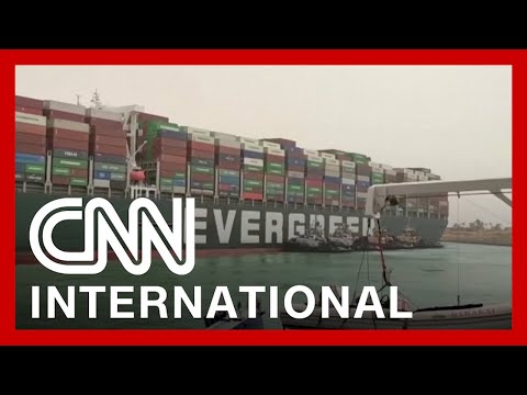 Stuck ship shuts down Suez Canal traffic