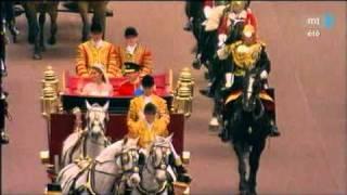 Prince William & Kate Middleton érkezése a Buckingham palotába - Királyi esküvő