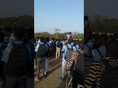 Grève des élèves de joal fadiouth