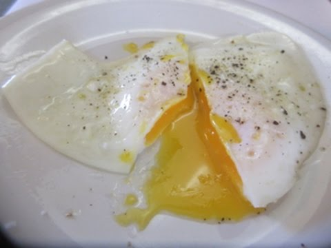 EGG OVER EASY - How to make PERFECT OVER EASY EGGS demonstration