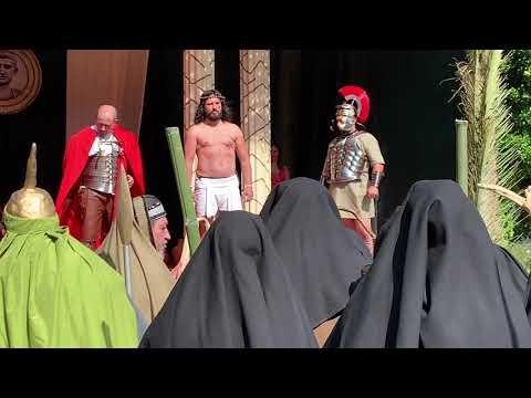 Paradela se convierte en el escenario de la crucifixión de Cristo
