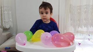 Berat Rengarenk Balonları Patlattı. Eğlenceli Çocuk Videosu