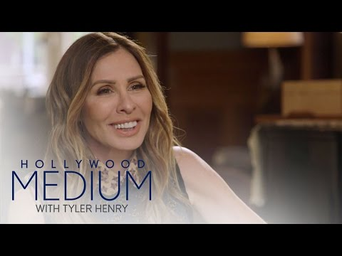 Carole Radziwill Connects With Carolyn Bessette-Kennedy | Hollywood Medium with Tyler Henry | E!