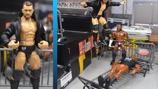 EPIC WWE FIGURE PLAYSET & CLOTHING!