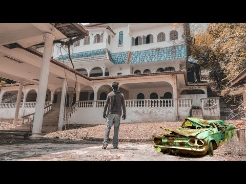 HUGE ABANDONED MANSION WITH CARS AND EVERYTHING LEFT BEHIND MALAYSIA - WE FOUND SATANIC PENTAGRAM