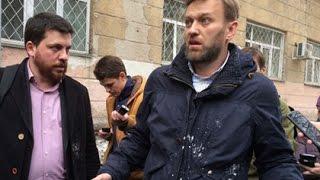 На Алексея Навального и Людмилу Улицкую напали