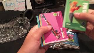 l'ouverture d'une boîte de carte à collectionnement fortnite! Très bien!!!! (J'ai eu une feuille!)