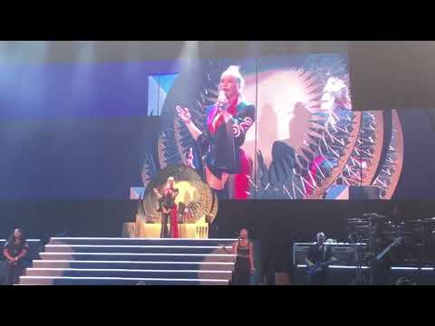 LIBERATION TOUR Christina Aguilera- The Voice Within Live (Last Show)